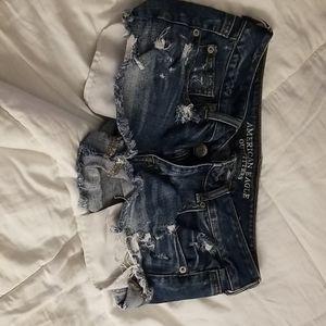 Ripped short shorts